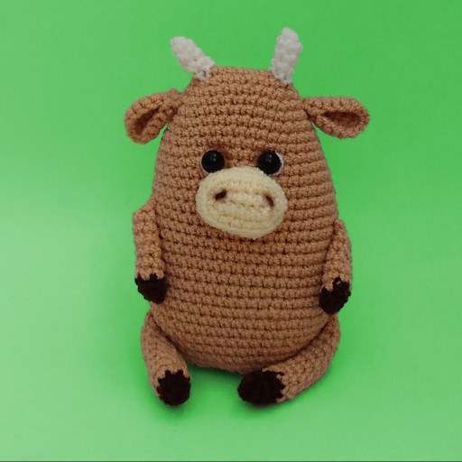 عروسک گاو نشسته- باسلام