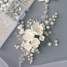 شانه شنیون شکوفه ای سفید