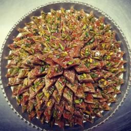 شیرینی باقلوا یزدی قوطی فلزی طرح ترمه