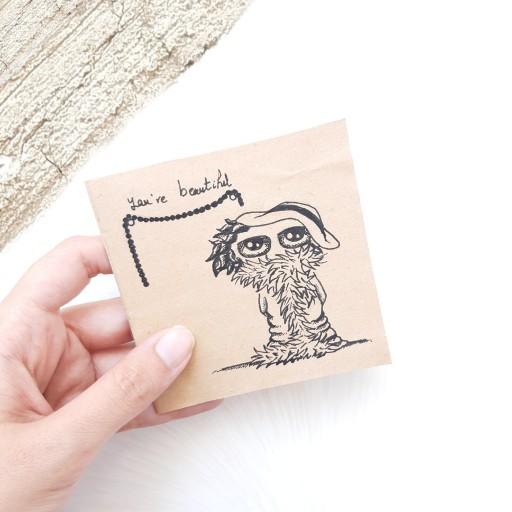 کارت پستال ساده نقاشی شده باراپید با موضوعyou 're beatiful. با ابعاد 9×9 cm- باسلام