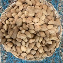 بادام سنگی و شیرین استهبان (900 گرم )