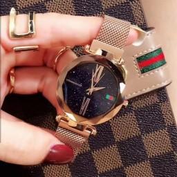 ساعت مگنتی گوچی