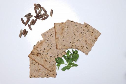 نان حاوی آرد هسته خرما - باسلام