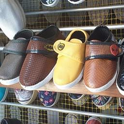 کفش بچگانه و نوزادی