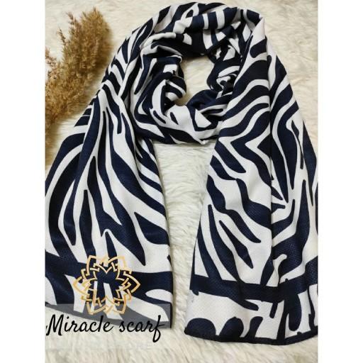 شال زیبای زبرا  در دو طرح بی نظیر با ترکیب رنگی عالی سیاه و سفید- باسلام