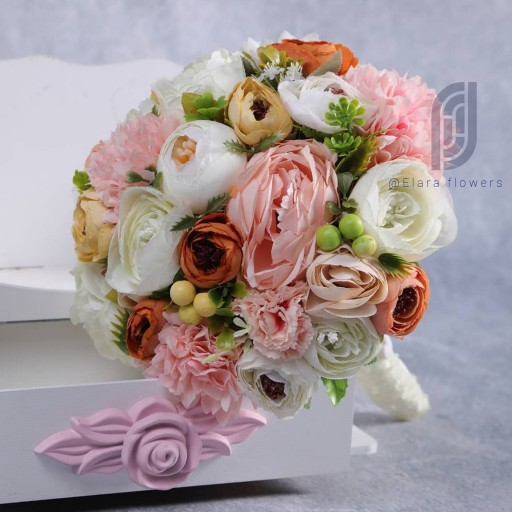 غرفهٔ گل آرایی الارا