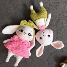 زوج خرگوش خوشگل قلاب بافی ، قد 26 سانت ، وزن 250 گرم ، در رنگهای متنوع به در خواست شما عزیزان قابل سستشو بدون پس دادن رن