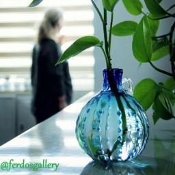 بطری گلدان نگینی شیشه دستساز فوتی طرح نگینی آبی