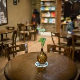 گلدان شیشه ای دستساز صنایع دستی قزوین شیشه گری