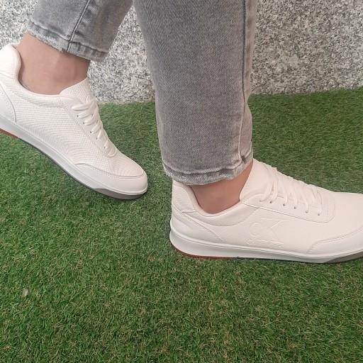 کفش اسپرت مردانه و زنانه کوین کلین مناسب استفاده روزمره و ست کردن با هر نوع استایلی. سایز 37تا 44- باسلام