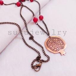 گردنبند دستساز مسی انار طرح برجسته با مهره مرجان