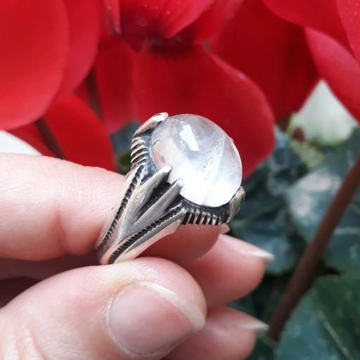 غرفهٔ سنگ طبیعی و جواهرات سنگی تک گوهر