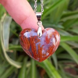 گردنبند قلب سنگی جاسپر عقیق با زنجیر