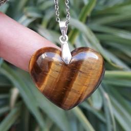 مدال گردنبند قلب از سنگ چشم ببر با گیره نقره و زنجیر