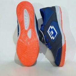 کفش ورزشی فوتسال