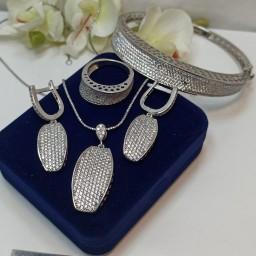 ست کامل جواهری نقره عیار 925 طرح طلا رادیوم انگشتر دستبند گردنبند و گوشواره نگین باگت