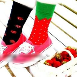 جوراب تا به تا توت فرنگی
