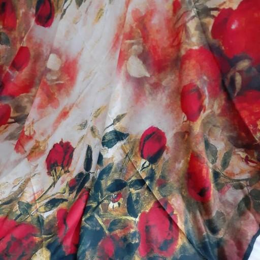 روسری نخی گلهای رز با زمینه روشن- باسلام