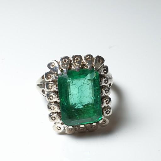 انگشتر نقره مدل صفویه اشکی با زمرد برزیلی سبز خوشرنگ- باسلام