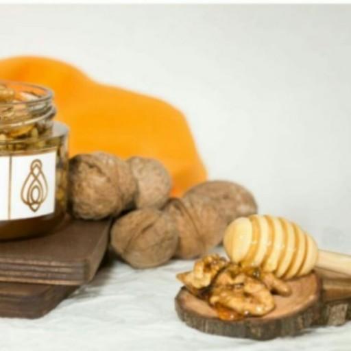 معجون عسل و گردو کافه عسل میم- باسلام