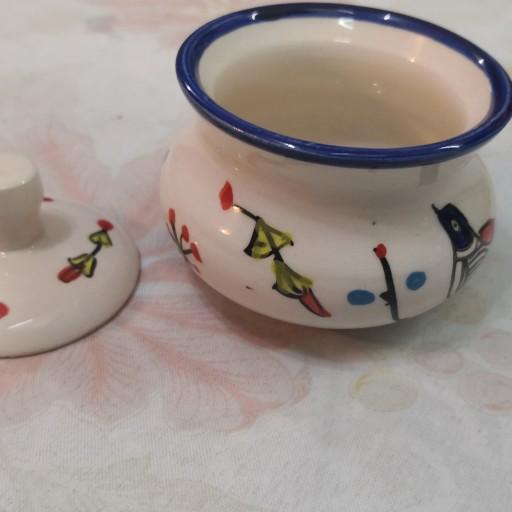 قندان کوچک سرامیکی میبدی طرح مرغی لعابی قابل استفاده قابل شستشو و زیبا- باسلام